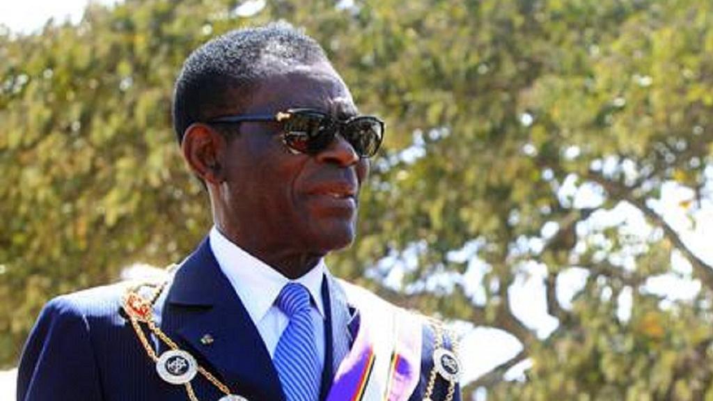 Equatorial Guinea president dissolves gov't by decree.