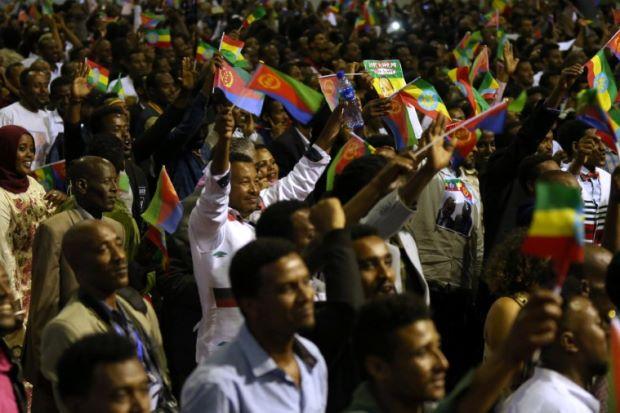 At concert, Ethiopia, Eritrea leaders preach peace, love, unity
