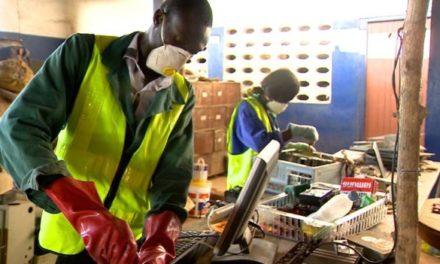 Togolese innovators turn the world's junk into robots